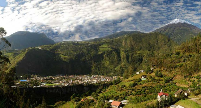 "Baños, Ecuador: A Thriving Tourist Town With Hot Springs and ""Miracle"" Cures"